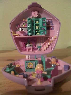 Vintage rare polly pocket Slumber party fun with 2 figures