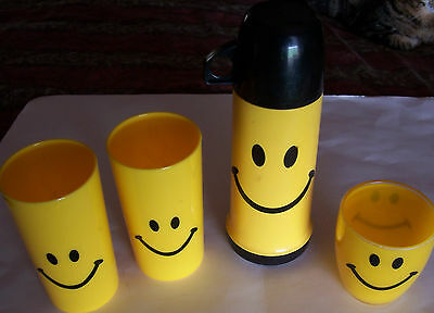 Collectable Yellow And Black Smiley Face Thermos With 3 Acrylic Tumblers