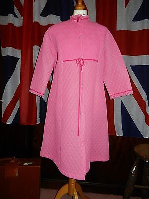 """VINTAGE PINK DRESSING GOWN RICHARDS SHOPS QUILTED 70s 80s SIZE 14 -36"""" BUST"""