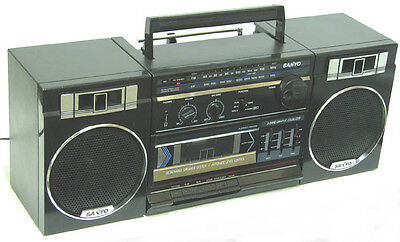 vintage SANYO M9716 Boombox AM FM Stereo Cassette Radio 3 Band Equalizer Good