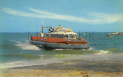 RV025 Old-fashioned-sized 1970s POSTCARD - SRN6 Hovercraft