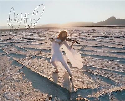 "Lindsey Stirling (Candid) ""The Walking Violinist"" EXTREMELY RARE SIGNED RP 8X10"