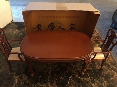 2014 Kenvention  * 1:6 Scale * Dinning Room Table With 2 Chairs And Diorama