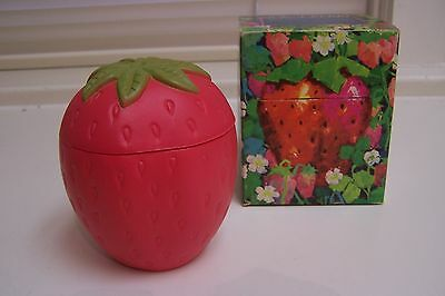 Vintage Large AVON Strawberry Soap Container and 5 Strawberry Soaps & Box