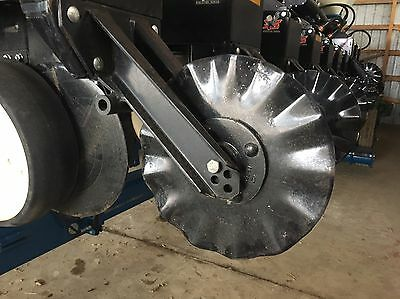 Kinze No Till Coulters & Brackets