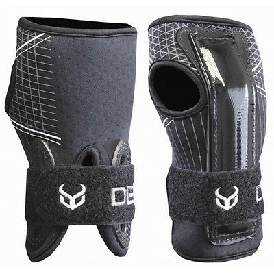 Demon Snowboard Wrist Guards – Various Sizes Available