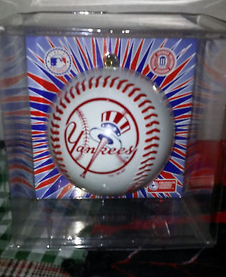 New York Yankees Official Sports Collectors Series Christmas Ornament