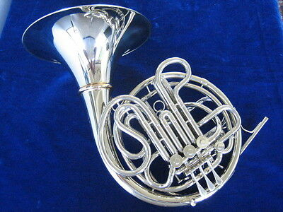 DEMO CONN 8DS DOUBLE FRENCH HORN w/DETACHABLE BELL, MINT!