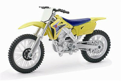 Diecast model 1:18 Suzuki RM - Z450 Die Cast Dirt bike Motorcycle