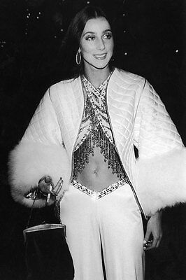 Cher Very Young And Pretty 8X10 Photo