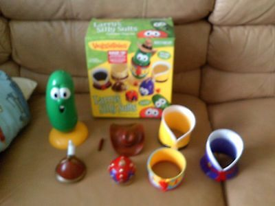 VeggieTales: Larry's Silly Suits Costume & Figure Play Set