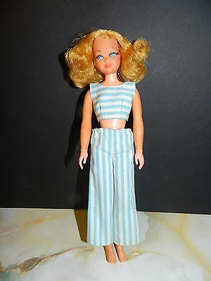 VTG 1969 Blonde Living Skipper Twist & Turn w/rooted eyelashes - Nice