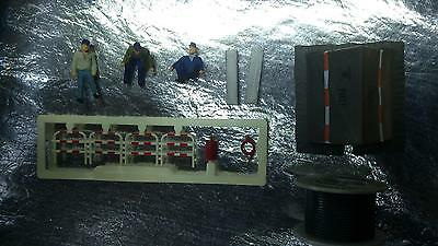 * Preiser 10374 Telecom Workers with Tent & Cable Drum 1:87 H0 Scale