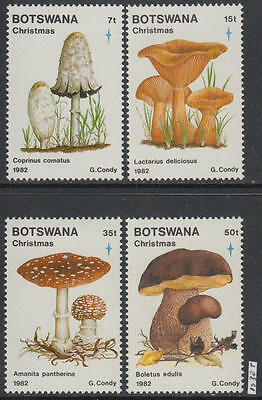 XG-AL340 BOTSWANA - Mushrooms, 1982 Christmas, Nature MNH Set