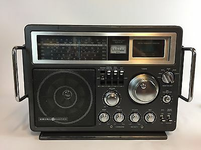 Vintage General Electric Model 7-2990A Multi Band World Wide Radio  A1
