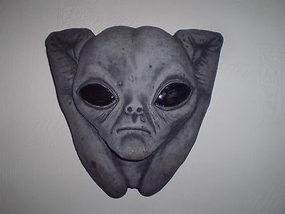 Wall mounted Alien Latex Mould/Mold (to make this Alien head)