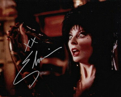 ELVIRA ~ MISTRESS OF THE DARK ~ SIGNED 10x8 PHOTO COA