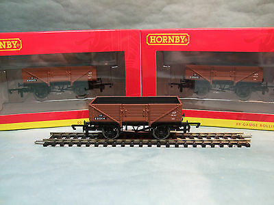 R6712A Hornby BR 5 Plank Wagon (Pack Of 3)