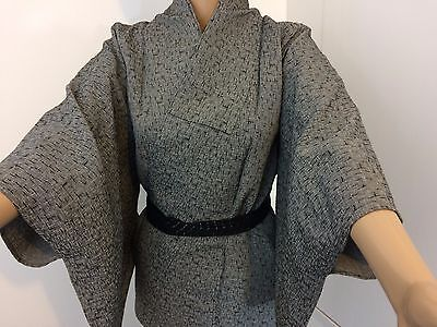 Authentic Japanese grey kimono for women, imported from Japan, good c. (I1008)