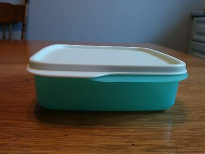 Tupperware Grab&Go Snack Divided Snack Bento Container Green/White #7503B #7404B