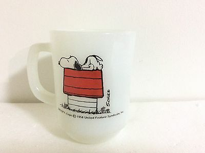 Rare 1958 VTG Anchor Hocking Fire King Milk Glass Coffee Cup Peanuts Snoopy