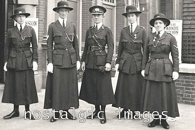 photo 100 x 150 mm TAKEN FROM 1914 IMAGE OF FEMALE POLICE UNIFORMS
