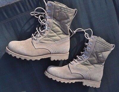 UK Army Desert Combat Boots Size Men's 9 R UK 8 M Gore-Tex Lined Cordura Side