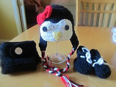 Baby penguin hat, diaper cover and booties (0-3 months) crochet