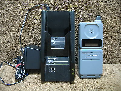 1990's Motorola DPC Micro Tac Cellular One Flip Phone w/ Battery & Charger
