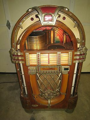 Wurlitzer 1015 Jukebox  Bubbler 1946 Original Un-Restored Plays Well Works !!!!!