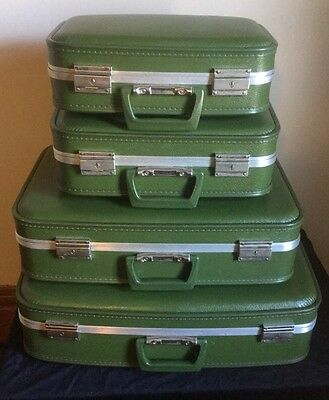 Vintage Retro Set Of 4 Green Nesting Hard Suitcases Luggage Satin Lining MINT!