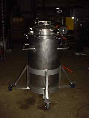 65 gallon Sanitary STAINLESS STEEL PRESSURE TANK 10 psi polished