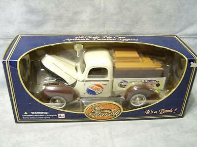 V43 Pepsi-Cola Die-Cast 1940 Ford Replica Bank Golden Wheel NIB Collectible