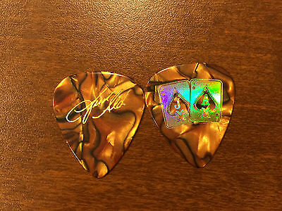 COUNTRY MUSIC - JASON ALDEAN ACES Red Marble Guitar Pick Pic - Brand New