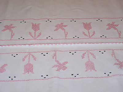Unique Vintage Tulip & Daffodil Embroidered Homespun Linen Tablecloth Wonderful!