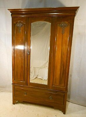 ANTIQUE VICTORIAN WALNUT WARDROBE c1880-1900 WALNUT GENTS VINTAGE COMPACTUM
