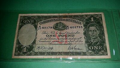 One Pound Paper Banknote Commonwealth of Australia Armitage McFarlane