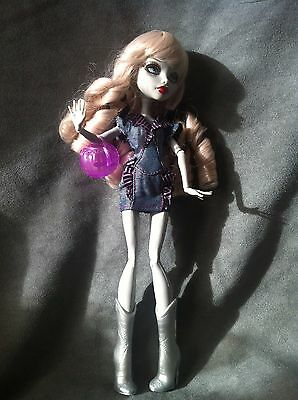 """MONSTER HIGH. Muñeca GHOULIA YELPS OOAK outfit """"DENIM"""""""