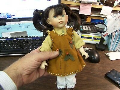 Indian Doll - Duck House - Heirloom Collection 1078 / 15000 Excellent