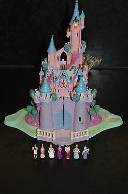 Polly Pocket 95 Château lumineux Disney Cendrillon + 7 personnages