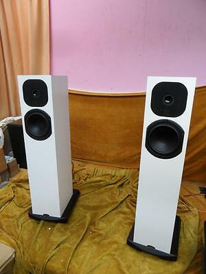 Neat SX2 speakers  pair excellent -boxed