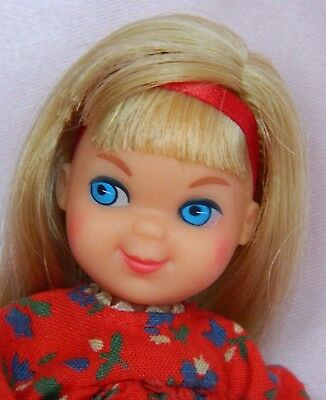 VINTAGE MOD TUTTI BLONDE BARBIE DOLL BARBIE'S SISTER w/ SKIPPIN' ROPE OUTFIT