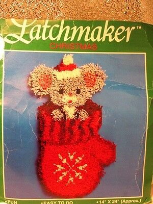 """CHRISTMAS MOUSE in RED STOCKING  Latch Hook Kit (Hooking) Rug  14""""X24""""  NEW Open"""