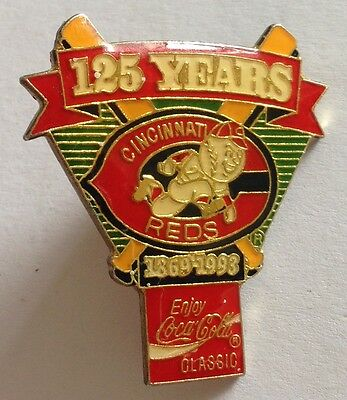 Cincinnati Reds 1993 CocaCola 125 Years Baseball Pin Badge Rare Authentic (E2)