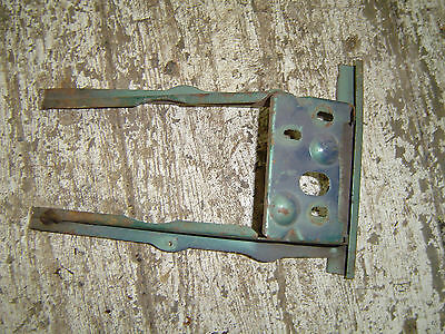 1969-1970 Ford Mustang Trunk Latch Support Bracket