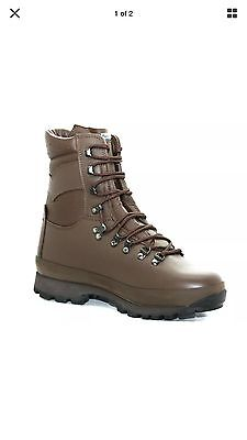 NEW IN BOX Alt-berg Defender Brown Leather Combat Boots: Size 8 Medium, ARMY