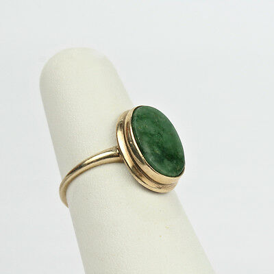 Vintage 10K Yellow Gold and Spinach Jade Ring - VR