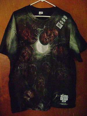 AUTHORIZED The Walking Dead Surrounded Huddle of Walkers Men's T-shirt New XL