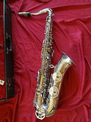 "ancien grand saxophone "" Dolnet Paris "" Made in France"