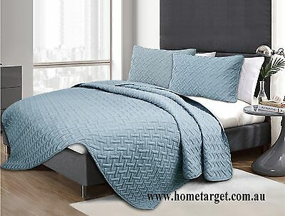3 Piece Chic Embossed Comforter Set,Machine washable,Queen/King size,all seasons
